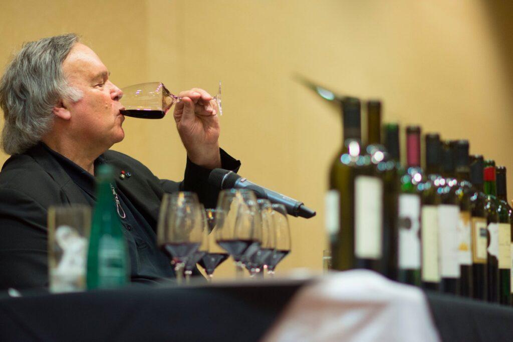Робърт Паркър - дегустация на вино